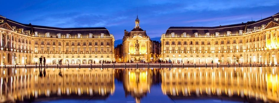 la bourse in bordeaux the water mirror by night jpg header 43181